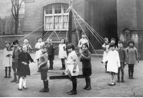 Old Maypole photo 1945-55